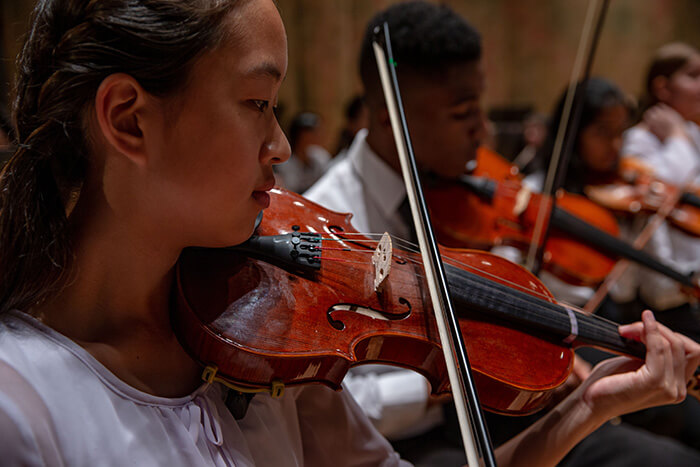 richmond-symphony-youth-orchestra-program-violinist